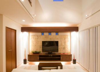 テレビ上 関節照明イメージ